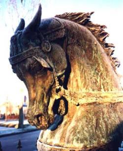 Pferd aus Bronze